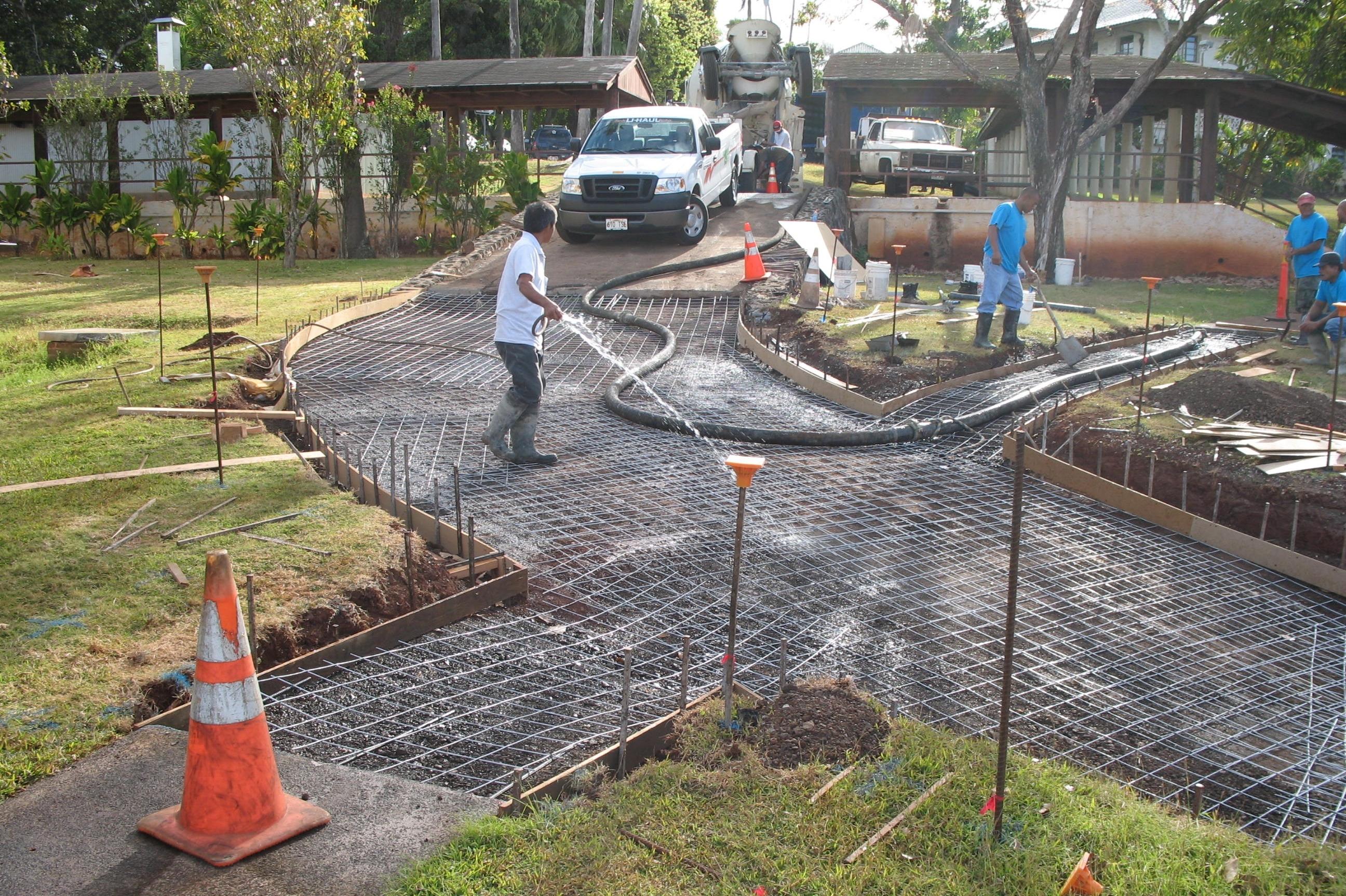 Kamehameha Schools Driveway